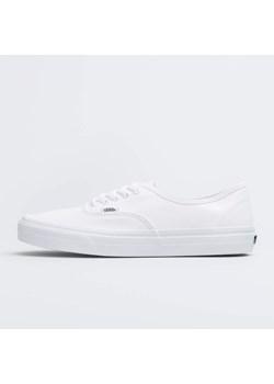 Białe buty damskie vans sznurówki, wiosna 2020 w Domodi