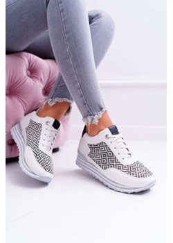 Buty sportowe damskie Guess Jeans w Domodi