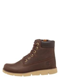 Brązowe buty zimowe chłopięce timberland, wiosna 2020 w Domodi