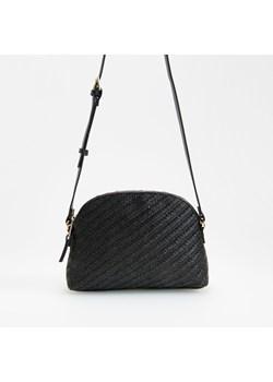 Czarne torby i plecaki reserved, wiosna 2020 w Domodi