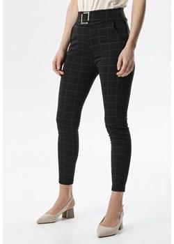 Spodnie w kratę damskie, wiosna 2020 w Domodi