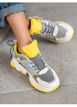Sneakersy damskie, wiosna 2020 w Domodi