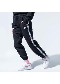 Czarne spodnie z lampasami, lato 2020 w Domodi