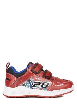 Czerwone buty dziecięce geox, wiosna 2020 w Domodi