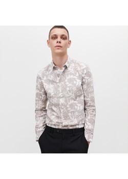 Koszule męskie slim reserved, lato 2020 w Domodi  pvC7I