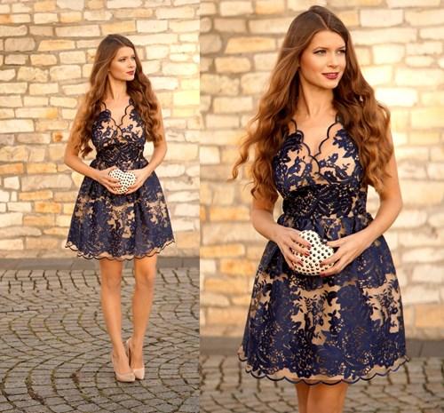 90e501a0d9 Must have  świąteczne sukienki we wzory - Trendy w modzie w Domodi