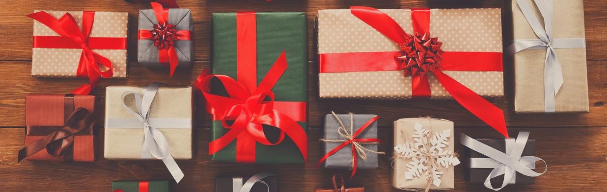 Chwalebne Świąteczne prezenty dla mamy - Trendy w modzie w Domodi UF99